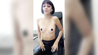EmmySpring skinny topless short-haired brunette cam video